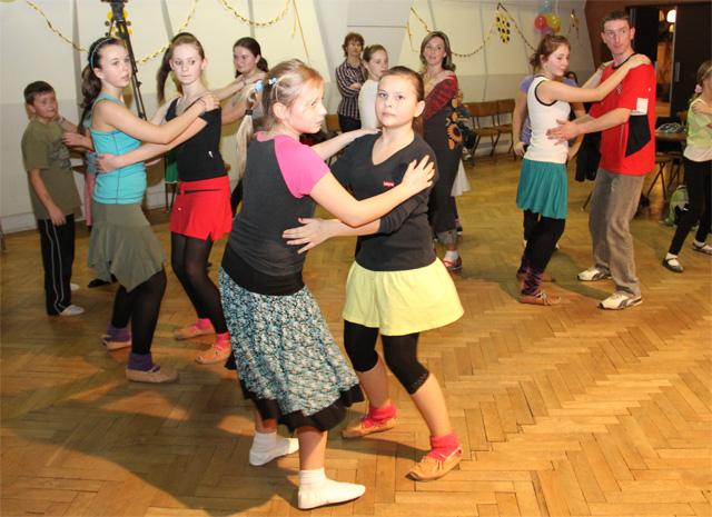 ii-tanecny-dom-na-kysuciach-2011-27.jpg