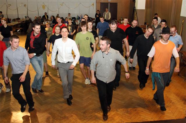ii-tanecny-dom-na-kysuciach-2011-37.jpg