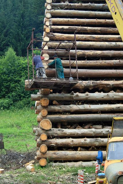 jansky-ohen-vojana-krasno-nad-kysucou-2009-2.jpg