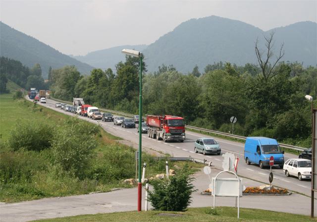 kruhovy-objazd-knm-2008-8.jpg