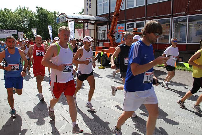 kysucky-maraton-37-rocnik-2011-cadca-sh-22.jpg