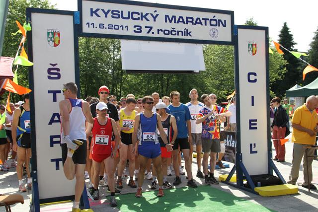 kysucky-maraton-37-rocnik-2011-cadca-sh-3.jpg