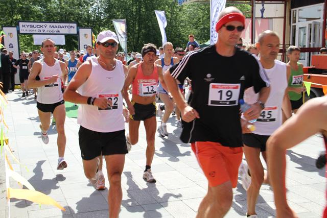 kysucky-maraton-37-rocnik-2011-cadca-sh-7.jpg