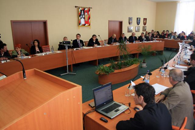 mestske-zastupitelstvo-cadca-2009-02-2.jpg