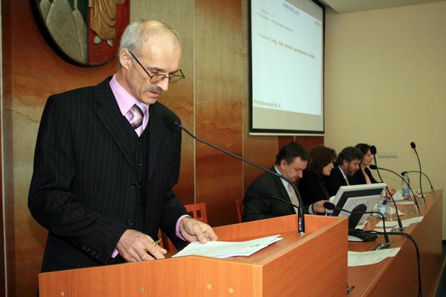 mestske-zastupitelstvo-cadca-2009-02-5.jpg