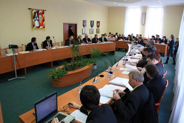 mestske-zastupitelstvo-cadca-2009-2.jpg