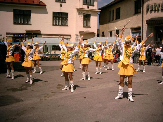 oscadnicka-heligonka-2004-3.jpg