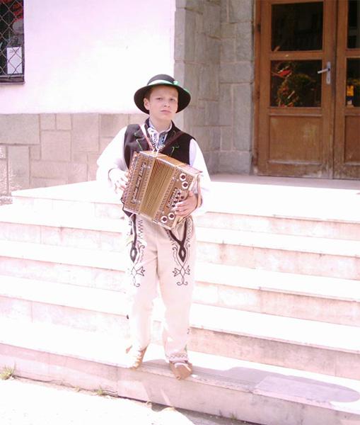 oscadnicka-heligonka-2004-5.jpg