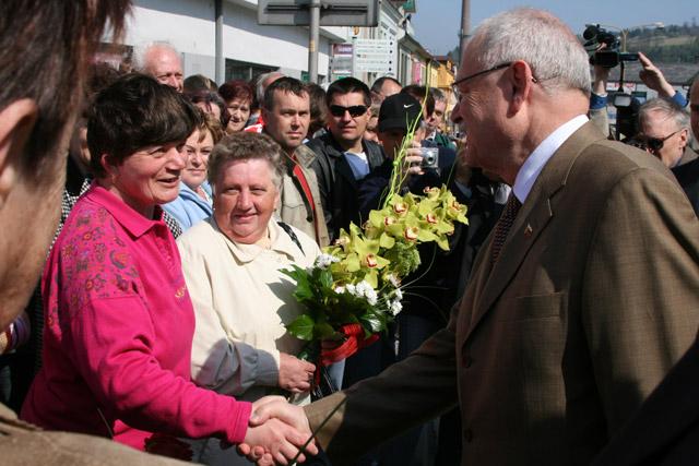preziden-ivan-gasparovic-v-cadci-2009-12.jpg