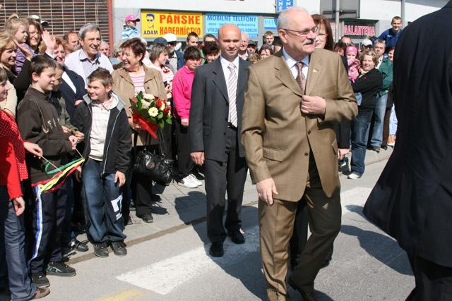 preziden-ivan-gasparovic-v-cadci-2009-13.jpg