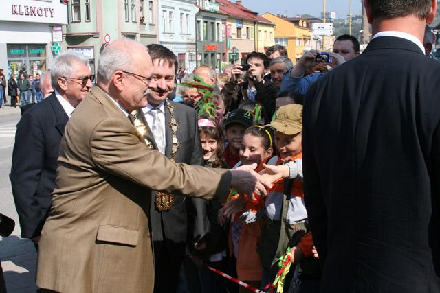 preziden-ivan-gasparovic-v-cadci-2009-14.jpg