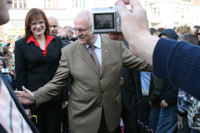 preziden-ivan-gasparovic-v-cadci-2009-15.jpg