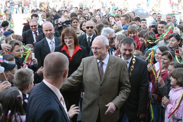 preziden-ivan-gasparovic-v-cadci-2009-19.jpg