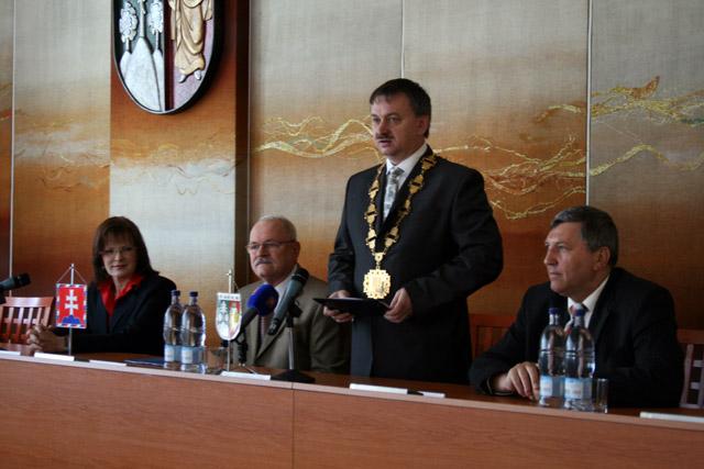 preziden-ivan-gasparovic-v-cadci-2009-22.jpg