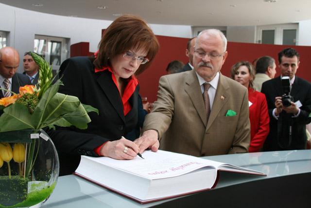 preziden-ivan-gasparovic-v-cadci-2009-50.jpg