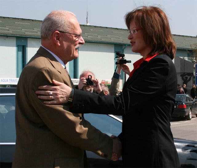 preziden-ivan-gasparovic-v-cadci-2009-8.jpg