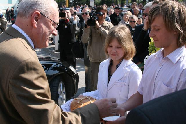 preziden-ivan-gasparovic-v-cadci-2009-9.jpg