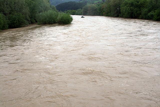 riaka-kysuca-hroziace-zaplavy-2010-22.jpg
