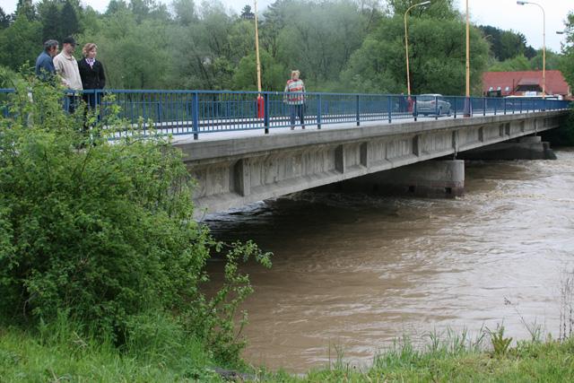 riaka-kysuca-hroziace-zaplavy-2010-27.jpg
