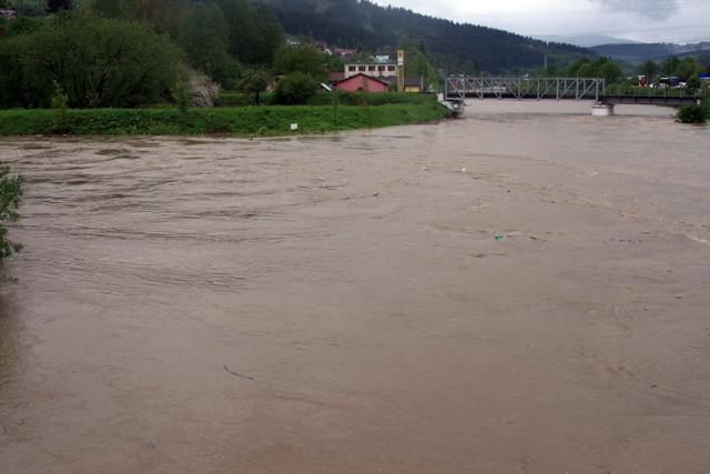 riaka-kysuca-hroziace-zaplavy-2010-7.jpg