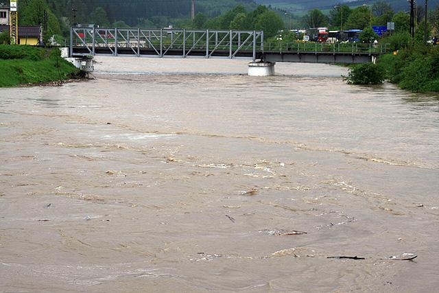 riaka-kysuca-hroziace-zaplavy-2010-9.jpg