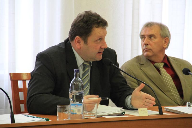 rokovanie-mestskeho-zastupitelstva-2011-12-5.jpg
