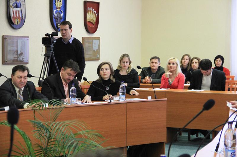 rokovanie-mestskeho-zastupitelstva-2012-01-1.jpg