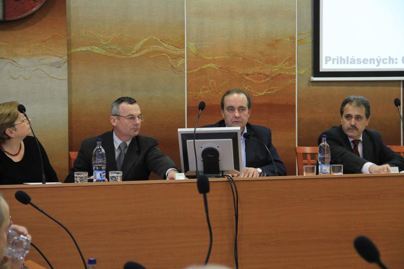 rokovanie-mestskeho-zastupitelstva-2012-01-2.jpg