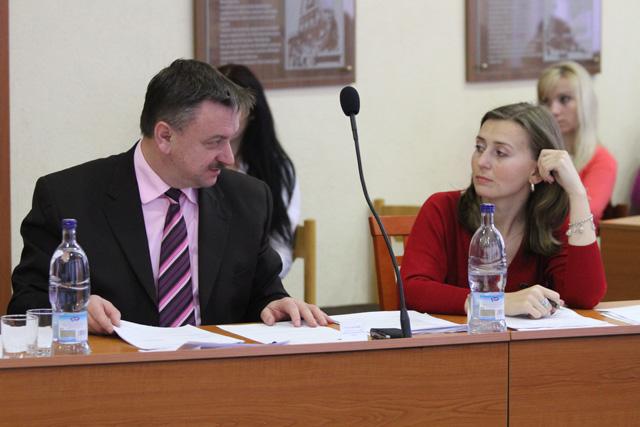 rokovanie-mestskeho-zastupitelstva-v-cadci-14-1-2011-12.jpg