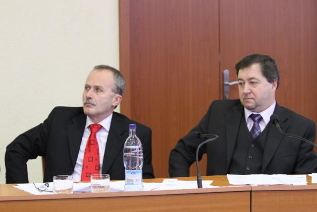 rokovanie-mestskeho-zastupitelstva-v-cadci-14-1-2011-14.jpg