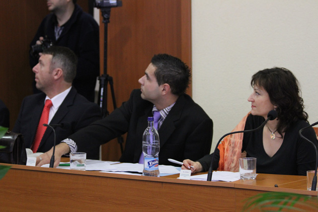 rokovanie-mestskeho-zastupitelstva-v-cadci-14-1-2011-15.jpg
