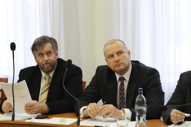 rokovanie-mestskeho-zastupitelstva-v-cadci-14-1-2011-9.jpg