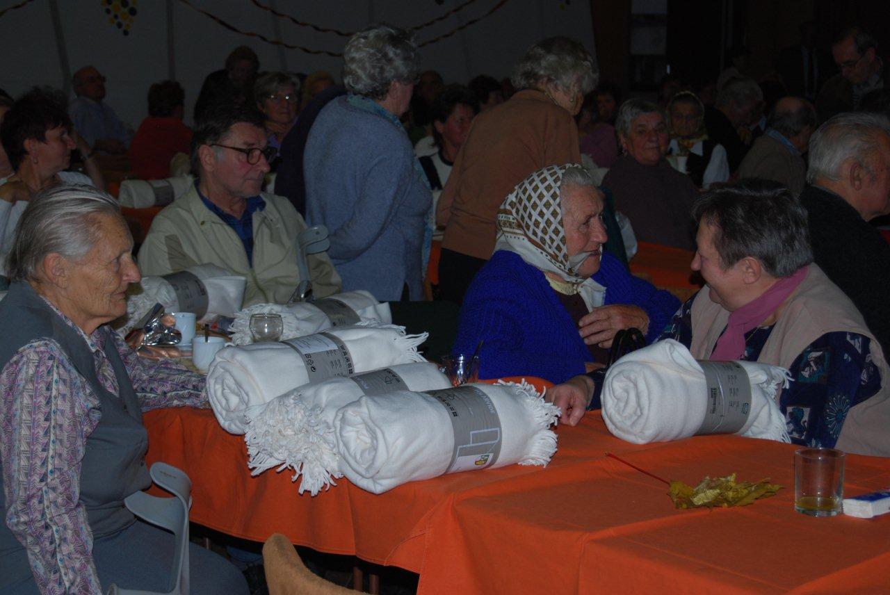senior-party-2010-1.jpg
