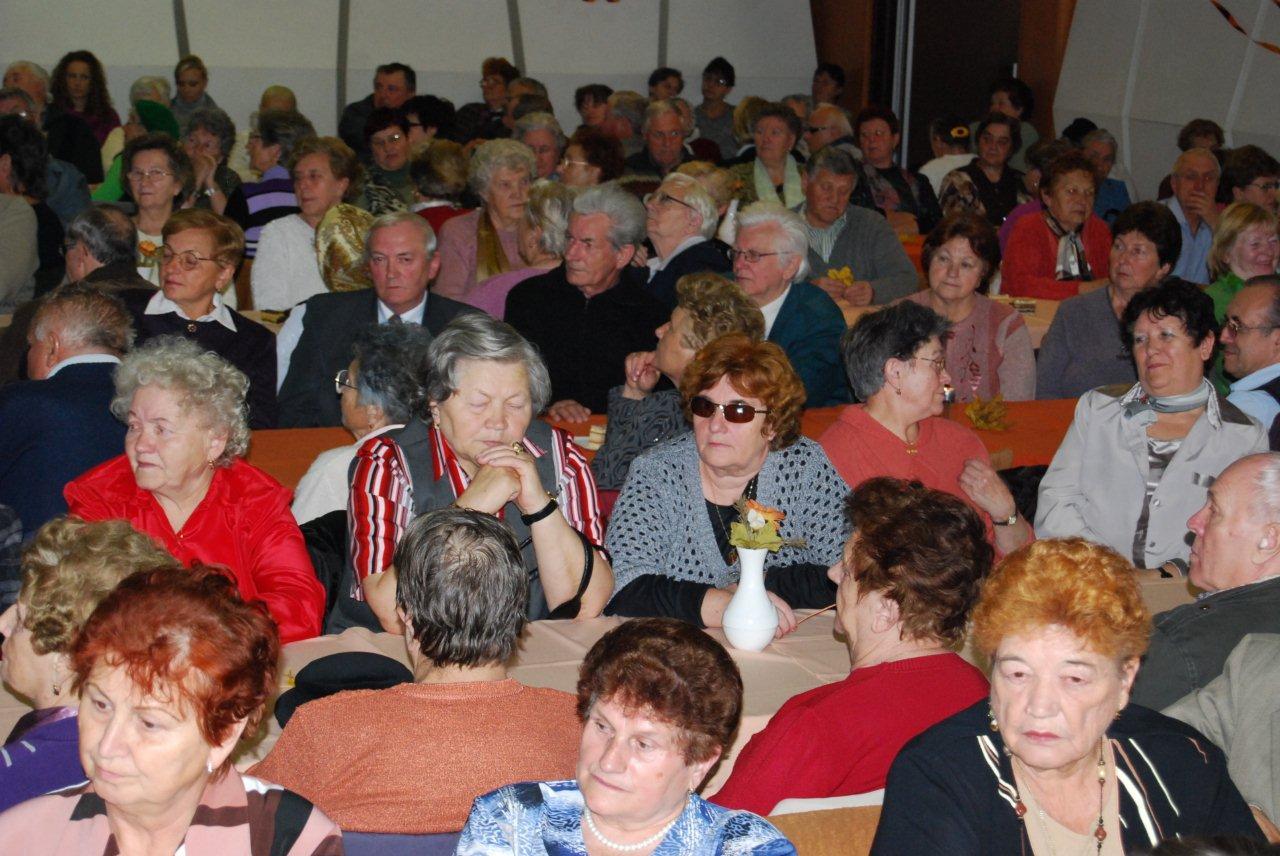 senior-party-2010-3.jpg