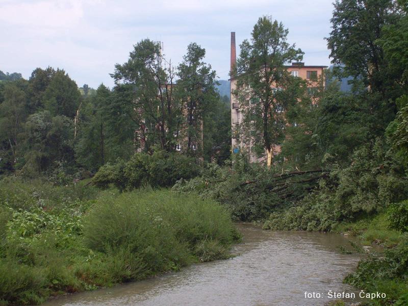 silna-burka-prietrz-mracien-cadca-2011-sc-11.jpg