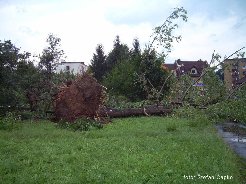 silna-burka-prietrz-mracien-cadca-2011-sc-14.jpg