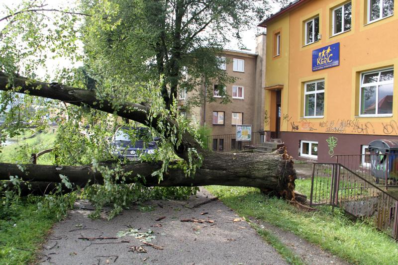 silna-burka-prietrz-mracien-cadca-2011-sc-86.jpg
