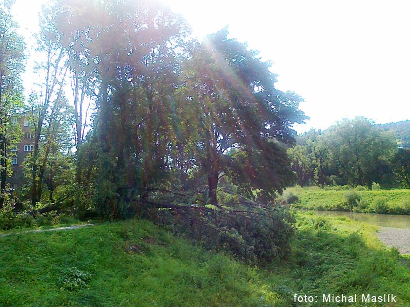 silna-burka-prietrz-mracien-cadca-2011-sc-9.jpg