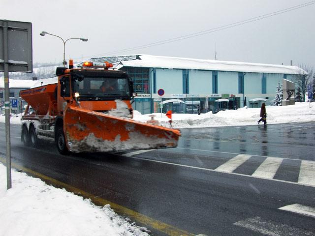 snehova-kalamita-kysuce-2009-02-2.jpg