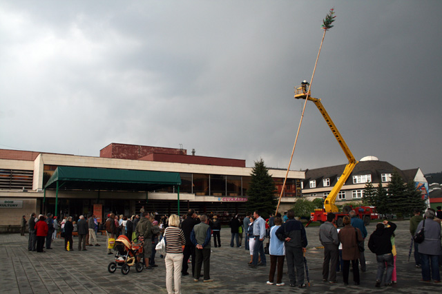 stavanie-maja-cadca-2009-3.jpg
