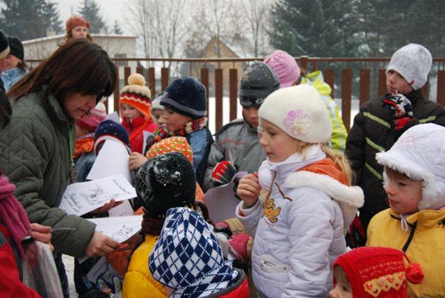 stavanie-snehuliakov-2010-1.jpg