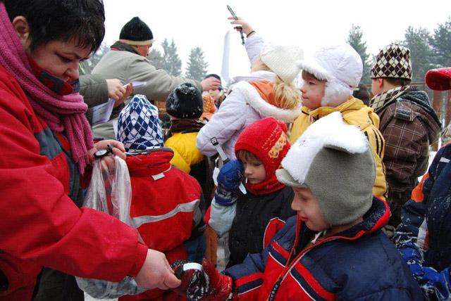 stavanie-snehuliakov-2010-6.jpg