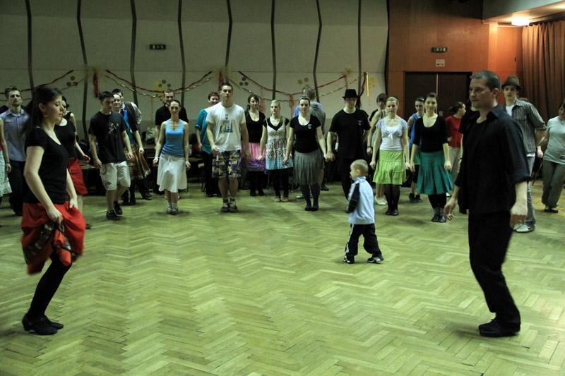 tanecny-dom-cadca-2012-13.jpg