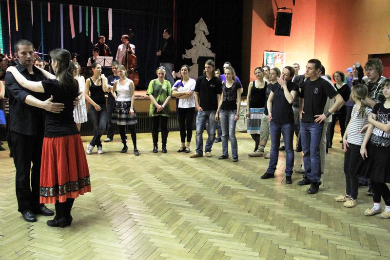 tanecny-dom-cadca-2012-2.jpg