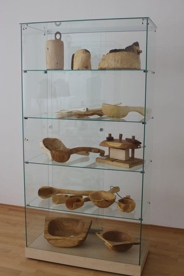 uzitocna-krasa-dreva-vystava-jozef-marec-2020-5.jpg