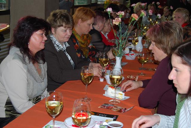 vansovej-lomnicka-2010-cadca-3.jpg