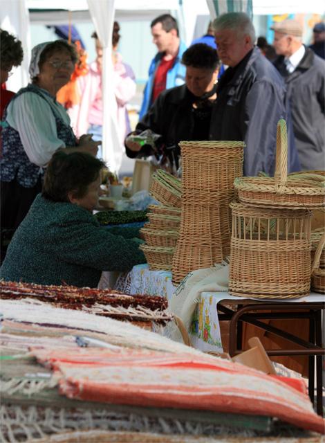 velkonocny-trh-ludovych-remesiel-cadca-2009-20.jpg