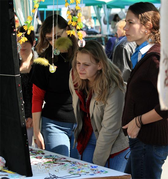 velkonocny-trh-ludovych-remesiel-cadca-2009-21.jpg