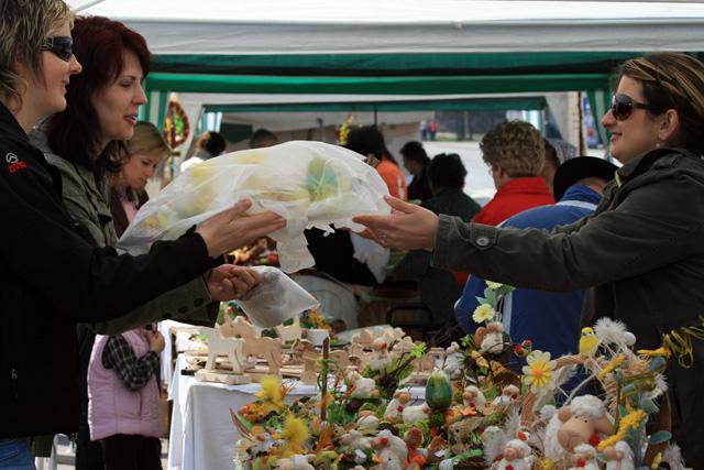 velkonocny-trh-ludovych-remesiel-cadca-2009-4.jpg