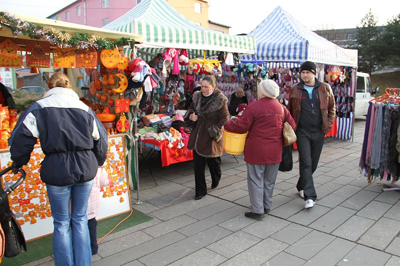 vianocne-trhy-cadca-2011-2.jpg